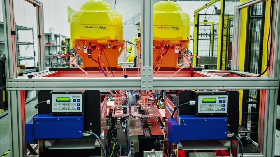 Dual Delta Flexpicking Robots