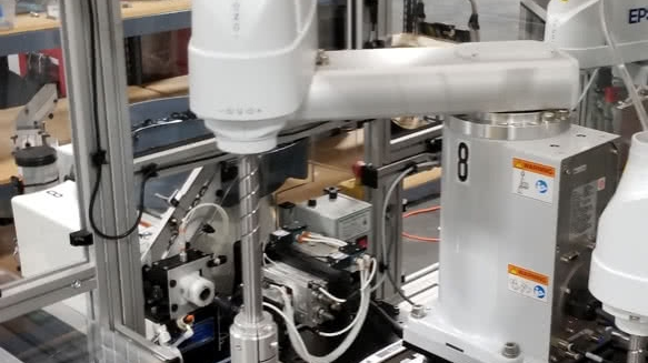 Epson Robot Loading MagneMotion Puck