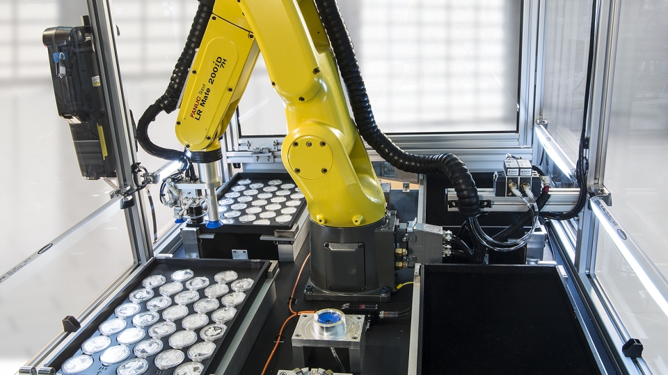 Robot Works Out of 4 Product Drawers